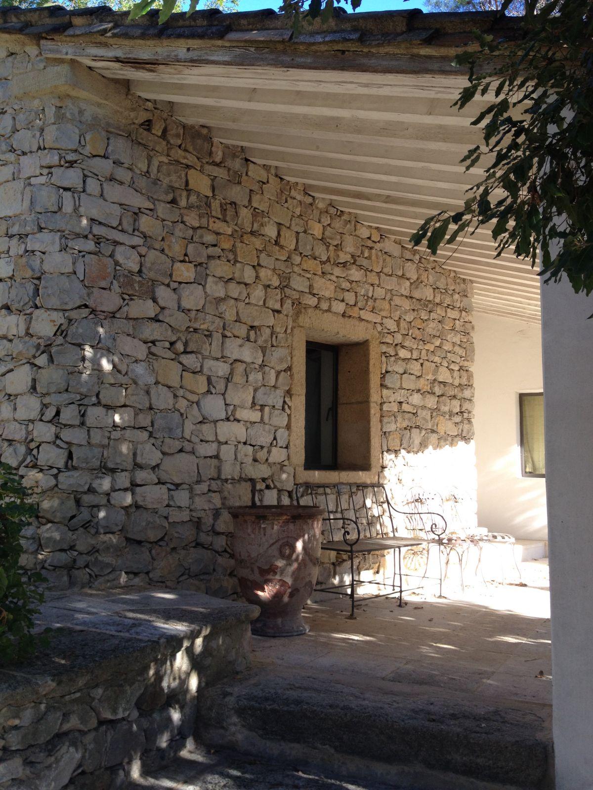 mur en pierre vielles demeures d 39 occitanie entreprise r novation situ e dans le gard. Black Bedroom Furniture Sets. Home Design Ideas